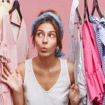 Innere Person im Kleiderschrank